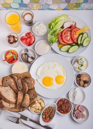 ארוחת בוקר בראפאס